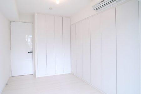 壁も床も白くさわやかに2